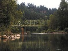Sandy River, Troutdale Oregon - VERY cold water to swim in