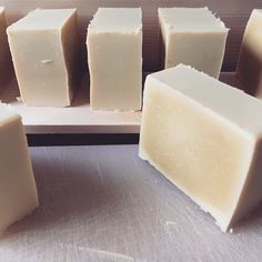 Organic Soap Olive, Coco, Shea Butter and Sweet Almonds overfat) with Cold Processing – Ecosystem Homemade Beauty Products, Diy Cleaning Products, Diy Soap Cold Process, Organic Soap, Home Made Soap, Soap Making, Diy Beauty, Shea Butter, Almond