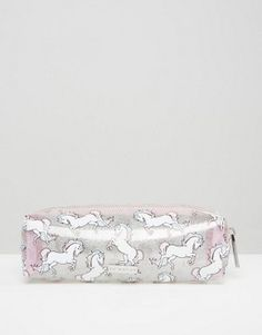 Order Skinnydip Unicorn Pencil Case online today at ASOS for fast delivery, multiple payment options and hassle-free returns (Ts&Cs apply). Get the latest trends with ASOS. Real Unicorn, Magical Unicorn, Rainbow Unicorn, Unicorn Birthday, Unicorn Party, Unicorn Pencil Case, Accessoires Iphone, Unicorns And Mermaids, Modern Princess