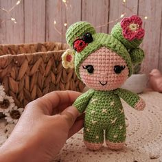 Muñeca ccactus Ovejita tejedora Love Crochet, Amigurumi Doll, Christmas Home, Cactus, Teddy Bear, Dolls, Mini, Animals, Decor