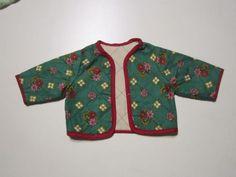 Schoene-alte-Puppenkleidung-Suesse-Trachtenjacke