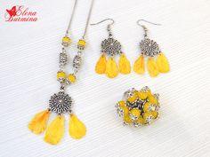 Купить Комплект из лепестков бархатцев под ювелирной смолой - желтый, стеклянные бусины, сухоцветы