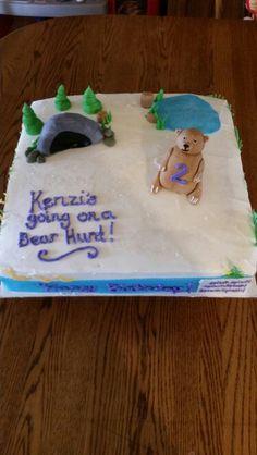 Bear hunt cake