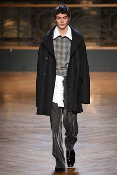 Wooyoungmi FW17.  menswear mnswr mens style mens fashion fashion style wooyoungmi runway