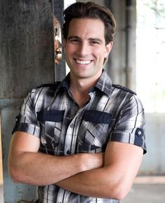 My fave Canadian, eye-candy, reno guy: Scott Mcgillivray