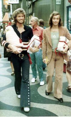 Barry and Robin - Christmas Shopping?