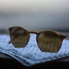 Fancy - O'Malley Sunglasses by Oliver Peoples New Ray Ban Sunglasses, Ring Watch, Optical Glasses, Scarf Jewelry, Oliver Peoples, Swagg, Sunnies, Eyeglasses, Eyewear