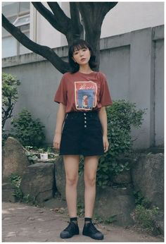 korean outfits to look cool and fashionable gala fashion fashion trends koreanblouse koreanblousefashion koreanblousestyle koreanblouseandskirt Korean Street Fashion, Asian Fashion, Look Fashion, 90s Fashion, Retro Fashion, Fashion Outfits, Womens Fashion, Fashion Trends, Korean Outfits