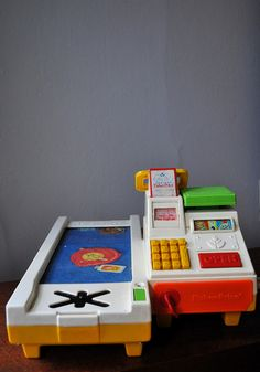 fisher price cash register:: this register was the cause of my sincere desire to grow up and be a cashier Jouets Fisher Price, Fisher Price Toys, Vintage Fisher Price, 90s Childhood, My Childhood Memories, Sweet Memories, Retro Toys, Vintage Toys, Vintage Stuff