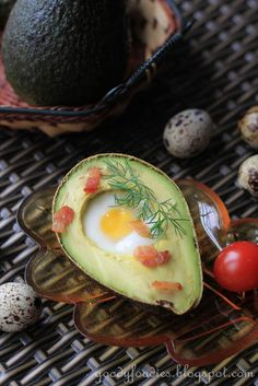 Eat your heart out: Recipe: Baked quail egg in avocado with crispy bacon
