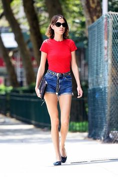 leave it to Alexa Chung to find the simplest yet chicest outfit to beat the NYC heat in.