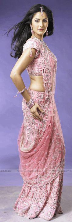 Super gorgeous pink saree.
