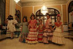 We Love Flamenco 2015 · CAYETANA Y SEVILLA – Taller de Diseño   Por Elena Rivera vía Mamá de Mayor Quiero Ser Flamenca.