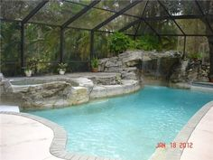 Naples, Florida ... BEAUTIFUL pool ... House is on sale for only $160,900...