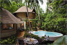 Rayavadee Resort. Amphoe Muang, Railay Beach, Krabi Town, Thailand.