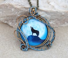Wolf pendant/Wire wrapped pendant/Wolf necklace/Men's necklace/Mens jewelry/Gift for him/Gift for her/Blue necklace/Blue wolf pendant