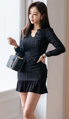 Korean Fashion Dress, Asian Fashion, Fashion Dresses, Plus Size Disney Clothes, Party Dresses With Sleeves, Pretty Korean Girls, Good Looking Women, Edgy Outfits, Beautiful Asian Women
