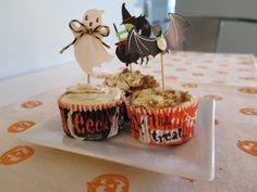 Kid-friendly Pumpkin Cream Cheese Muffins perfect for Halloween. #halloweenrecipes #pumpkinmuffins #thenovicechefrecipes