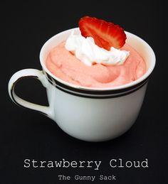 {Mid-Week Munchies} Strawberry Cloud Jello Salad Recipe