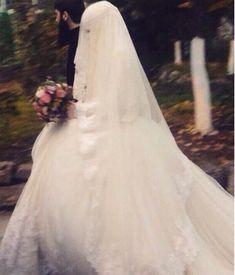 Muslimah Wedding Dress, Muslim Wedding Dresses, Muslim Brides, Muslim Women, Bridal Dresses, Dress Muslimah, Niqab, Arab Bride, Wedding Pl