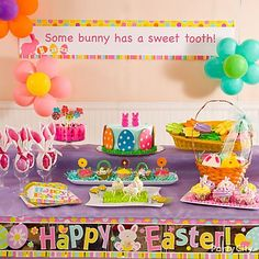 So many cute ideas here for Easter treats ... adorable cake-pop lambs, flower lollipop cupcakes, Peeps-kabobs and much more for your Easter party!