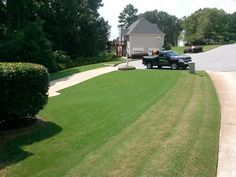 How to keep your Bermuda Lawn Mowed to keep it looking its best… Bermuda Grass, Woodstock Ga, Lawn Care Tips, Lawn Mower, Shrubs, Garden Landscaping, Outdoor Spaces, Interior And Exterior, Yard
