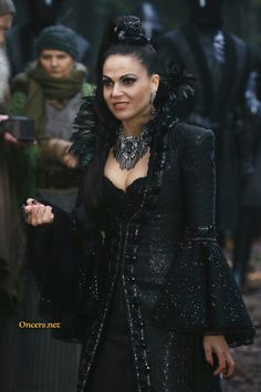 Awesome Lana (Evil Queen Regina) Once Spring premiere airs Sunday BC Tuesday Serie M6, Gossip Girl, Pretty Little Liars, Regina Ouat, Evil Queen Costume, Shadowhunters, Once Up A Time, Evil Queens, Swan Queen