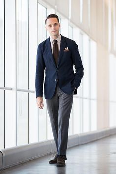 A case for the business casual gingham shirt - he spoke style Fashion Week Hommes, Mens Fashion Week, Mens Fashion Suits, Men's Fashion, Trajes Business Casual, Business Casual Outfits, Business Attire, Style Costume Homme, Business Casual