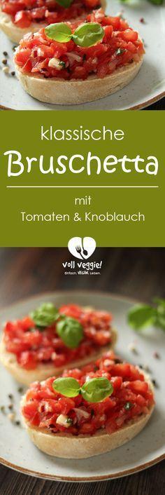Der Klassiker beim Italiener: #Bruschetta. Und dieser Klassiker lässt sich ganz einfach nach Hause holen – mit diesem Bruschetta-Rezept. Ob nun als #Vorspeise oder #Beilage zu einem italienischen Dinner, als klassischer #Snack auf der nächsten Party oder als leichte Hauptmahlzeit im Sommer – diese Bruschetta geht immer! Tomaten, Knoblauch, Olivenöl, Basilikum, Salz und Pfeffer aus der Mühle, serviert auf frisch gerösteten Brotscheiben – mehr braucht es nicht für diese Bruschetta. #vegan!