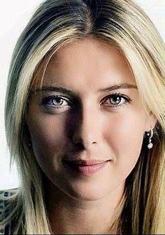 Maria Sharapova Hot, Sharapova Tennis, Beautiful Celebrities, Beautiful Women, Maria Sarapova, Bicycle Girl, Attractive People, Smile Face, Sport Girl
