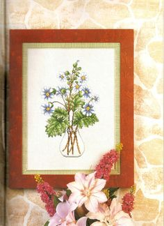 Cross stitch - flowers: Flowers in a vase (free pattern with chart)