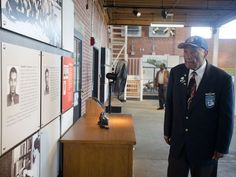 Tuskegee Airmen land in Tuskegee 75 years later