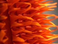 Pannello fonoisolante e fonoassorbente in materiale sintetico TULIP | Pannello fonoisolante e fonoassorbente in materiale sintetico - Anne Kyyrö Quinn: TULIP