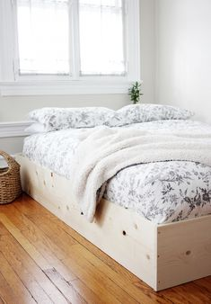 DIY Simple Bedframe The Merrythought Box Bed Frame, Making A Bed Frame, Simple Bed Frame, Bed Frame Plans, Diy Frame, Diy Queen Bed Frame, Simple Wood Bed Frame, Bed Plans, Diy Furniture Nightstand