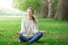 New to meditation & struggling to quieten your mind? Discover all the benefits of mediation & learn how to deepen your relaxation with Expert Dr. Meditation Gifts, Daily Meditation, Learn To Meditate, Relaxation Techniques, Living A Healthy Life, Cool Suits, Improve Yourself, This Or That Questions, Learning