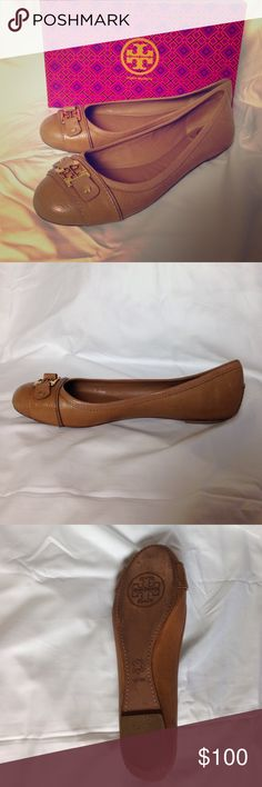Tory Burch flats Adorable Tory burch flats ideal for work outfits or even casual dinners! Worn a few times and in great condition ! Can ship immediately! Box included- not original shoe box Tory Burch Shoes Flats & Loafers