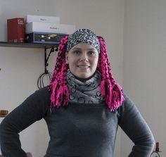 Tuubihuivin ja hiuspannan ohje / Tubular scarf and a headband. Video on Finnish, instructions in English and in Finnish.