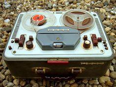 Cassette Vhs, Home Studio Desk, Cd Audio, Old Stove, Slide Rule, Recording Equipment, Tape Recorder, Historical Photos, Radios