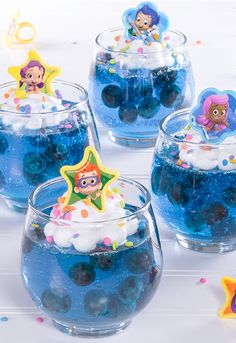 Splash into birthday fun and make your own Bubble Guppies treats with cupcake rings from our friends at Cakes.com!
