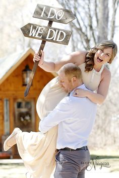 We eloped! Fun fun fun spring wedding at The Little Log Wedding Chapel in Niagara