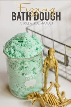 Best DIY Projects: Make bath time fun with this Fizzing Bath Dough made with just three simple ingredients!