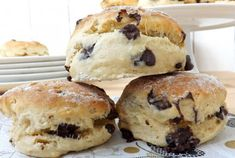 Chocolate Chip Scones, a soft, crumbly scone made with bread flour stuffed with chocolate chips. A perfect pick-me-up treat. Scones Chocolate Chips, Healthy Scones, Savoury Biscuits, Turkey Burger Recipes, Homemade Muffins, Ww Desserts, Breakfast Dishes, Breakfast Ideas, Love Food