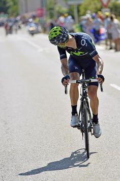 Rui Costa (Movistar) checks his margin Photo: © Bettini Photo