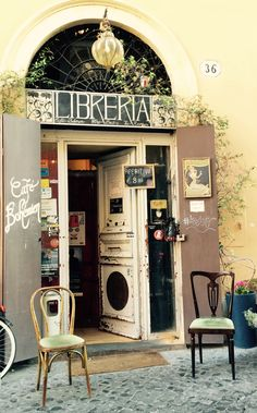 CAFÈ BOHEMIEN,Via degli Zingari, #RioneMonti #Rome #Purpleisnotacolor Don't be a tourist stay by us http://purple-home.com/tulip-colosseum.html