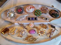 VINTAGE JEWELLERY COLLECTION JOBLOT BROOCHES SHAWL LACE PINS FLOWERS BARS X 20 in Jewellery & Watches, Vintage & Antique Jewellery, Vintage Costume Jewellery | eBay