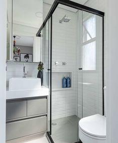 Small Bathroom Plans, Small Bathroom Layout, Bathroom Design Layout, Small Bathroom With Shower, Tiny House Bathroom, Bathroom Design Luxury, Minimalist Small Bathrooms, Washroom Design, Bathroom Inspiration