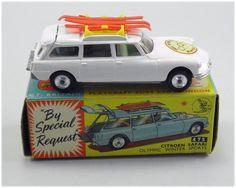 Vintage Corgi Toys Diecast Model 475 Citroen Safari Olympic Winter Sports