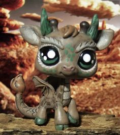 Littlest Pet Store Desert Dragon Guardian ooak customized determine LPS Spirit Giraffe - Lps Drawings, Custom Lps, Beast, Lps Toys, Lps Littlest Pet Shop, Cute Fantasy Creatures, Kawaii Room, Little Pet Shop, Pretty Drawings