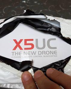 Nouveau drone reçu à l'instant :-) je vais essayer de tester ça ce week-end en même temps que le HJ Toys