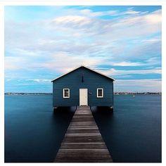 #lovethisphoto #carolynmurphy #startedit #bluesea #bluehouse #onewayin #onewayout